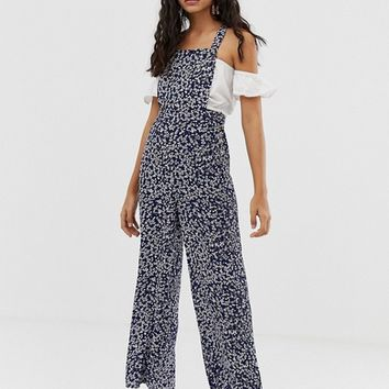 Miss Selfridge pinny jumpsuit in ditsy print | ASOS