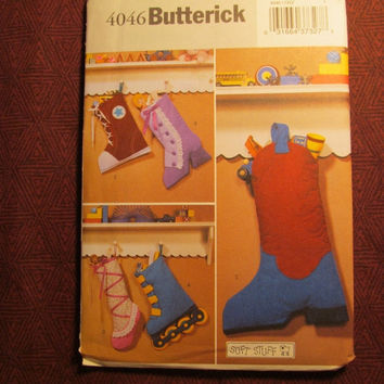 Sale Uncut Butterick sewing Pattern, 4046! Christmas Decor/Home Decor/Holiday Soft Stuff Stockings/Roller Skate Stocking/Cow Boy Boot/Baller