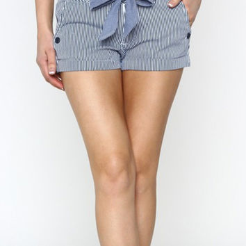 Stripe Print Cuffed Shorts