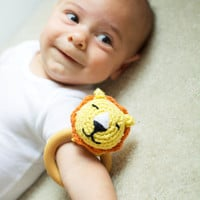 Crochet Teether Toy - Crochet Lion Rattle - Wooden Teething Ring for Babies