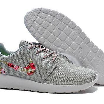 DCCKUN7 Nike Roshe Run Shoes Floral Running Shoes Gray - Ready Stock Online