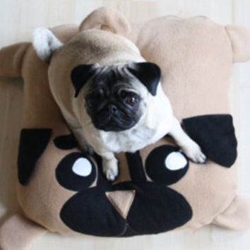 L Pug pillow - pug bed - dogbed - pouf - pugs