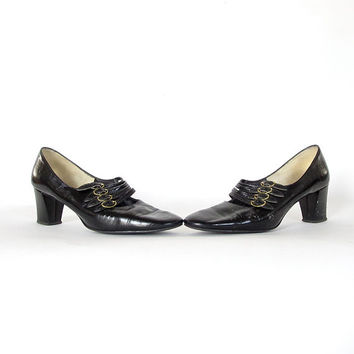Vintage Witch Shoes  . Size 1960s Town and Country Black Patent Leather Heels