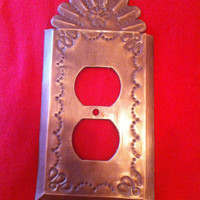 Fanned Out Top Nicho Style Outlet Cover Plate