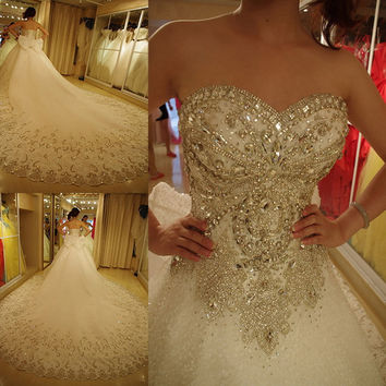 2016 Luxury Wedding Dresses Bling Sweetheart Organza Royal Train Crystal Diamond Wedding Gowns Plus Size Lace-up Customize