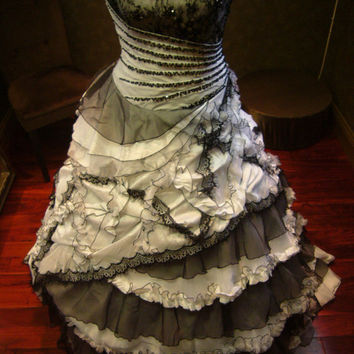 Spectacular Black and White Wedding Dress Vintage Goth