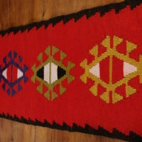 Vintage Red Peruvian Table Runner Table linen Woven Serape / Table tablecloth dresser scarf argyle Ethnic etno Tapestry Peruvian Wool / Peru
