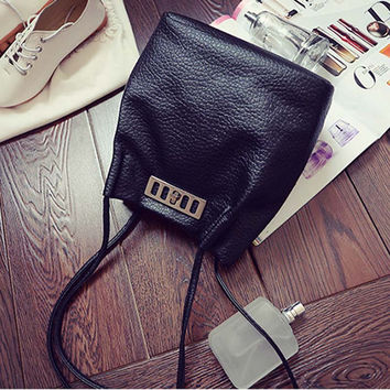 2017 Vintage Luxury Women Leather Handbags Designer Black Bucket Bags Small Shoulder Bags Ladies CrossBody Bags Shopping Bag