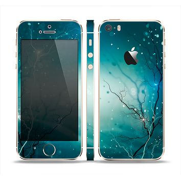 The Electric Teal Volts Skin Set for the Apple iPhone 5s