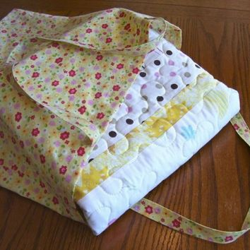 Picnic Playtime Quilt in a Bag - Made with Vintage Sheets - Nap Quilt, Lap Quilt, Recycled, Upcycled, Yellow, Green, White