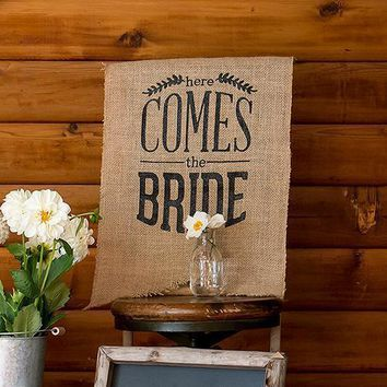 Natural Burlap Ceremony Sign - Black Print Here Comes the Bride (Pack of 1)
