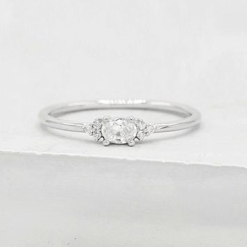 Dainty Oval Ring - Silver