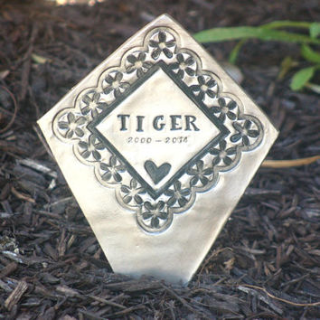 Pet Memorial Buriel Marker, Pet Grave Marker, Headstone, Pet Lover