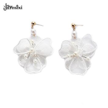 Retro Handmade Earrings White Embroidery Lace Flowers Simulated Pearls Jewelry Elegant Party Vintage Drop Earrings E715625