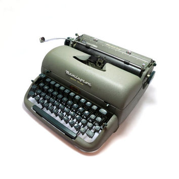 "1950s Working Manual Portable ""Remington Rand Quiet-Riter"" Typewriter in Good Cosmetic Condition. Assembled in Great Britain."