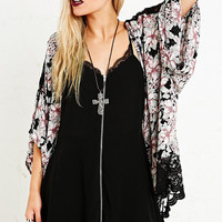 Pins & Needles lace Insert Kimono Jacket - Urban Outfitters
