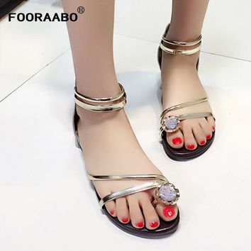 Fooraabo 2018 Summer Women Sandals Zipper PU Leather Flat Leisure Lady Heel Footwear Women Shoes Casual Ankle strap Shoe Female