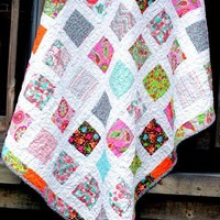 Crib Quilt Pattern, Lap Quilt Pattern by OneDaisyStudio - Craftsy