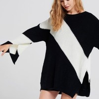 Izabel Color Block Oversized Pullover Discover the latest fashion trends online at storets.com