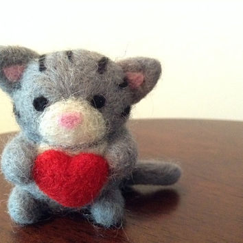 Needle Felted Cat with Heart, Grey, Stripes - Felt animal - Soft sculpture - Valentine's Day