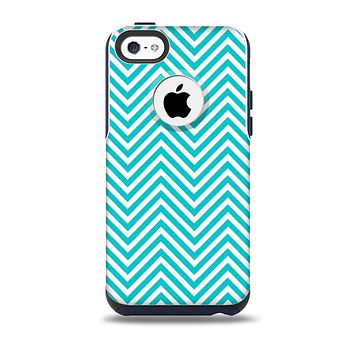 The Trendy Blue & White Sharp Chevron Pattern Skin for the iPhone 5c OtterBox Commuter Case