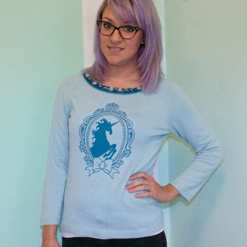 UNICORN cameo bow silkscreen sweater