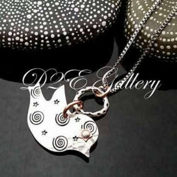 D2E hand stamped mixed metal artisan  necklace Chickadee bird with riveted eye