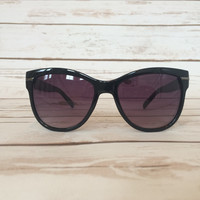 On the Horizon Sunglasses in Black