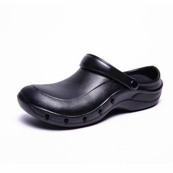 WAKO 9016 Male Cook Shoes Oilproof Waterproof Chef Sandals Super Anti-slip Black Shoes Summer Clogs with Strap Restaurant Shoes