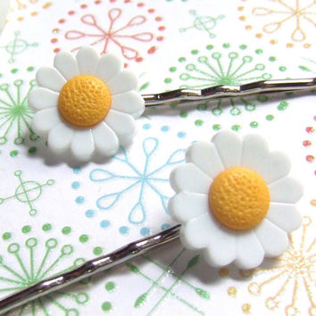 Daisy Chain - Yellow White Plastic Blossom Flowers - Bobby Pin Clip On - Hair Clip Accessories - OneUglyUnicorn