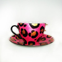 Meow – Pink Deluxe edition – Coffee mug – black handle – gold spikes – Matchingplate
