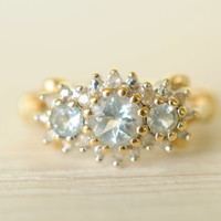 1970's vintage / Aquamarine and diamond 9k gold / engagement ring // CALM SEAS
