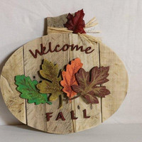 Holiday Pumpkin Welcome Fall Decor wall sign - Refurbished Pallet Wood  with Laser Cut Glitter Painted Leaves