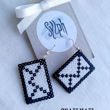 Earrings made of Hama Mini Beads - Snailmail