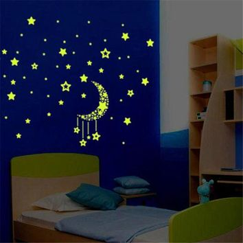 Stickers Moon Star Fluorescence Noctilucent Night Glow in Dark Luminous Vinyl Removable Nursery Kids Child Bedroom Sticker Nov19
