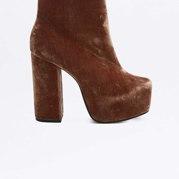 Karla Rust Velvet Platform Ankle Boots - Urban Outfitters