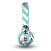 The Subtle Blue & White Chevron Pattern Skin for the Beats by Dre Mixr Headphones
