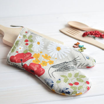 Poppies oven mitt, kitchen mitten, linen oven mitt, home mitten, pot holder, cooking gloves, handmade oven mitten, quilted oven glove