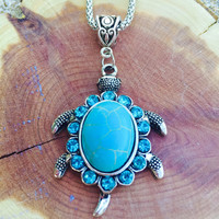 Turquoise turtle pendant necklace