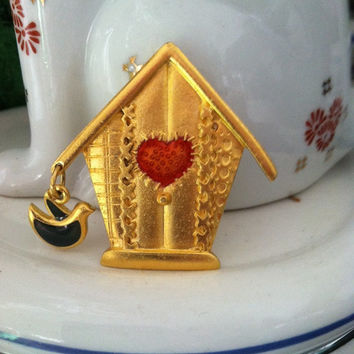 Vintage Gold Tone Birdhouse with Bird Charm Brooch/Pin