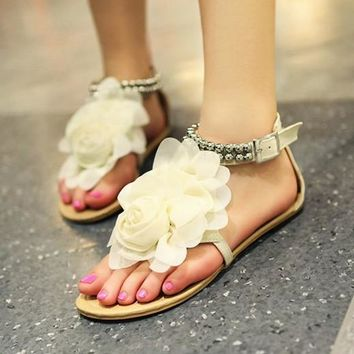Women's Sweet Flower Metal Beaded Sandal