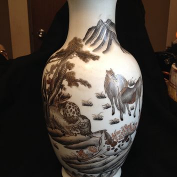 Beautiful 20thc Chinese Porcelain Gilt Grisaille Horses Seal Mark Porcelain Vase