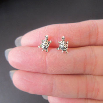 Tiny Sterling Silver Turtle Studs Earrings, Turtle Earrings, Good Luck, children Earrings, Dainty Earrings
