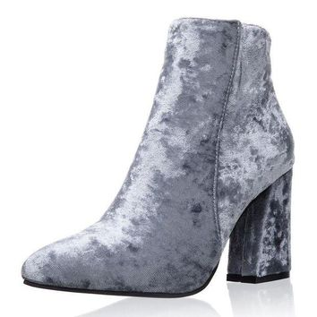 ONETOW Womens Velvet Pointed Toe Ankle Boots