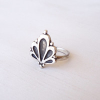 Sterling Silver Floral Ring - Iconic Flower Original Ring - Contemporary Jewelry - Inspired in the flora world - Size made to order