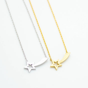 Comet star necklace