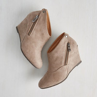 Urban Tea and Jam Session Wedge in Flax