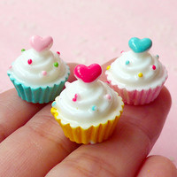 3D Cupcake Cabochon w/ Heart (3pcs / 16mm x 16mm) Miniature Cupcake Dollhouse Cupcake Decoden Scrapbooking Kawaii Cell Phone Deco FCAB119