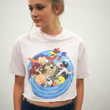 vtg 90's looney tunes cartoon crop top,  pink cropped acme tee shirt, 1990s ironic vtg tumblr soft grunge vaporwave, urban outfitters