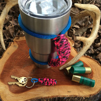 Paracord Yeti Rambler Handle Grip for 20 or 30 oz.  Hot pink Hound's Tooth with free matching keychain